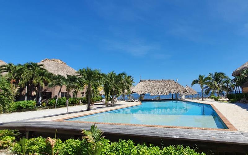 South Beach Pool - Captain Morgan's Retreat. Belize