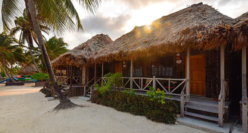 Deluxe Cabana Accommodation at Captain Morgans Retreat